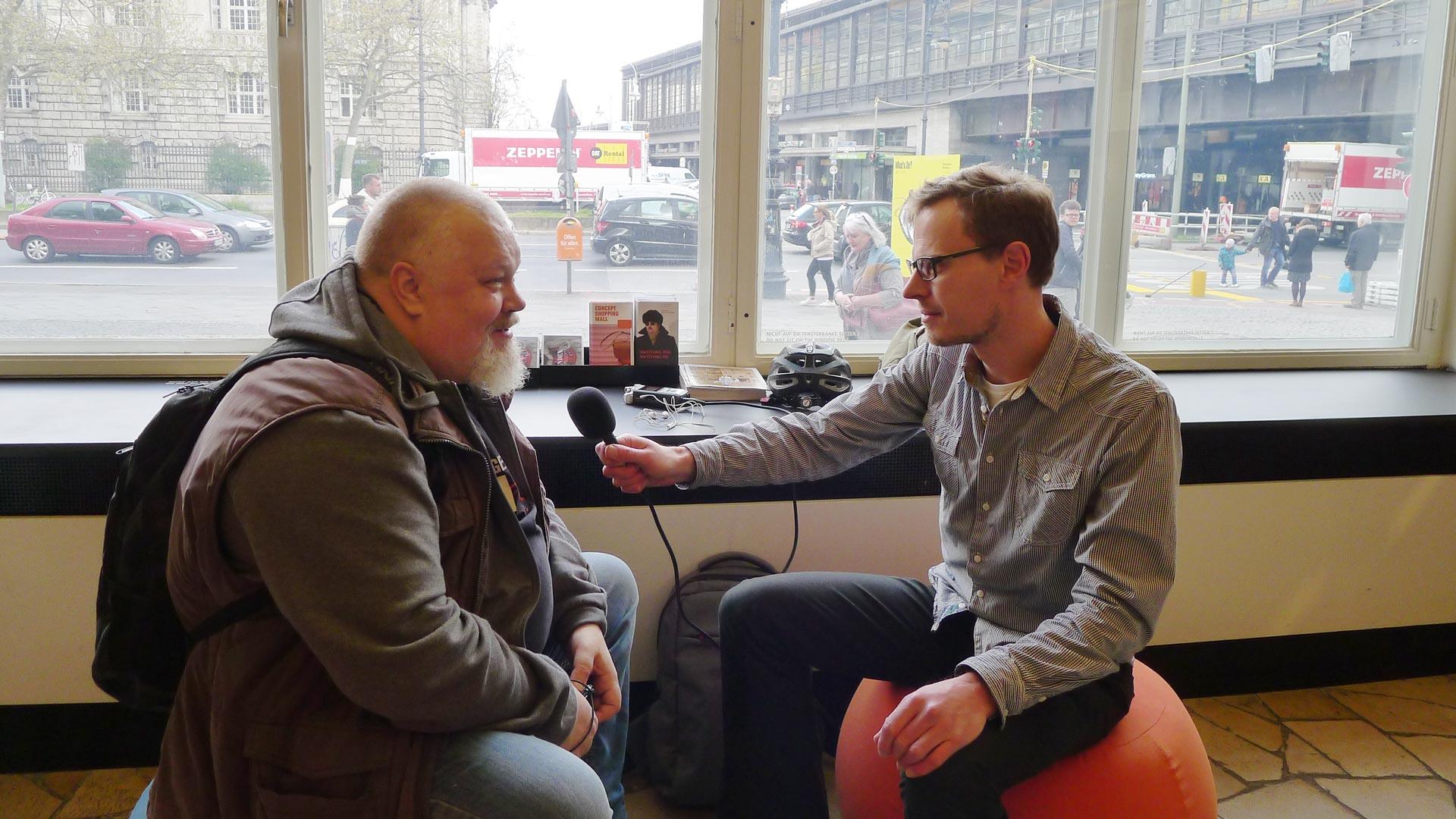 Henrik HAX Alexandersson och Karl Andersson på C/O Berlin i Amerikahaus vid Bahnhof Zoo i Berlin, 18 april 2017. Tack till receptionisten som tog bilden åt oss!